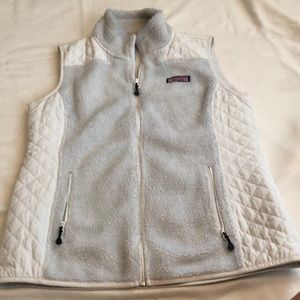 Vineyard vines vest size small. Great condition